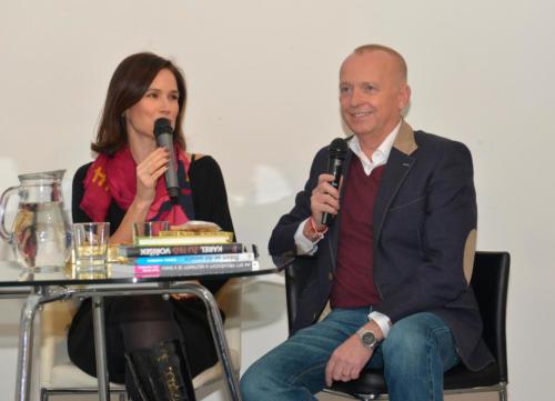 Setkání s osobností v Galerii 1 - Klára Doležalová a Karel Voříšek, 18. 11. 2019 (foto Jaroslav Tatek)