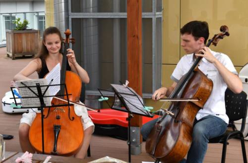 Fórum mladých hraje seniorům: Violoncellisté a jejich úspěchy na soutěžích, 25. 6. 2020 (foto Jaroslav Tatek)