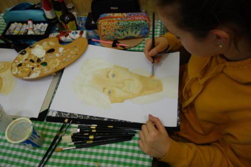 Setkání se studenty Arcibiskupského gymnázia: Malování portrétů v DPS Pštrossova - 28. 1. 2019